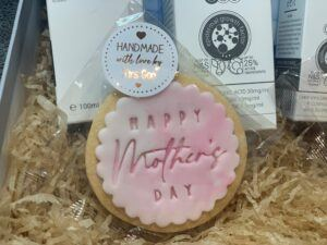 Handmade with love Mothers Day biscuit saying Happy Mother's Day