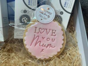 Handmade with love Mother's Day biscuit saying Love You Mum